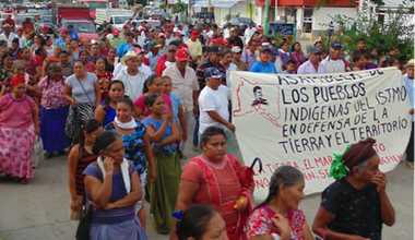 Indigenous women at protest against corporate wind in Isthmus of Tehuantepec, Oaxaca, Mexico, from website of 'Asamblea de los pueblos indígenas del Istmo de Tehuantepec en Defensa de la Tierra y el Territorio'.