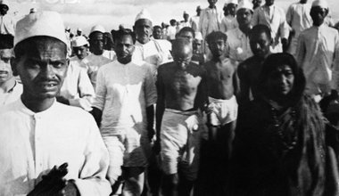 Gandhi_Salt_March-615x437.jpg