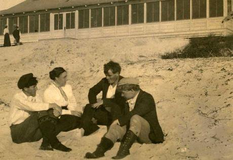 George Sterling, Mary Austin, Jack London, and Jimmie Hooper.jpg