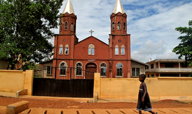 Ghana_Child_and_Church_640.png