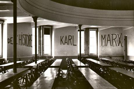 Graffito_in_University_of_Lyon_classroom_during_student_revolt_of_1968.jpg