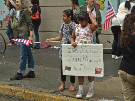 Muslim children in New York City supporting Park51