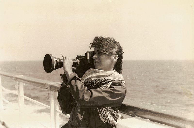 "Jocelyne Saab during the filming of ""le Bateau de l'exil"", 1982. Copyright: Nessim Ricardou-Saab .jpg"