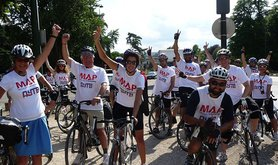 Lon-Paris%20cycle4Gaza%20Flavio%27s%20pictures.jpg