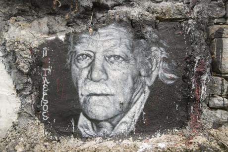 Manolis Glezos graffiti