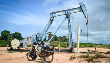 Oil pump in Zaire province, Angola. jbdodane/Flickr. Some rights reserved.