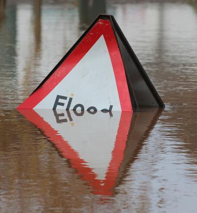 Overwhelmed_Flood_sign,_Upton-upon-Severn.jpg