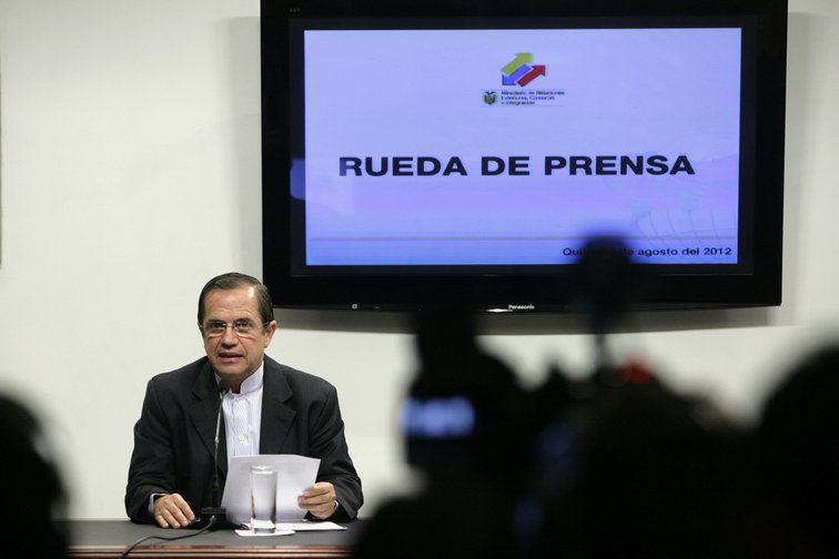 Ecuador's Minister for Foreign Affairs in August, 2012, Ricardo Patino, releasing details of a letter he said was from the British Government, threatening to arrest Julian Assange in the Ecuadorian Embassy in London.
