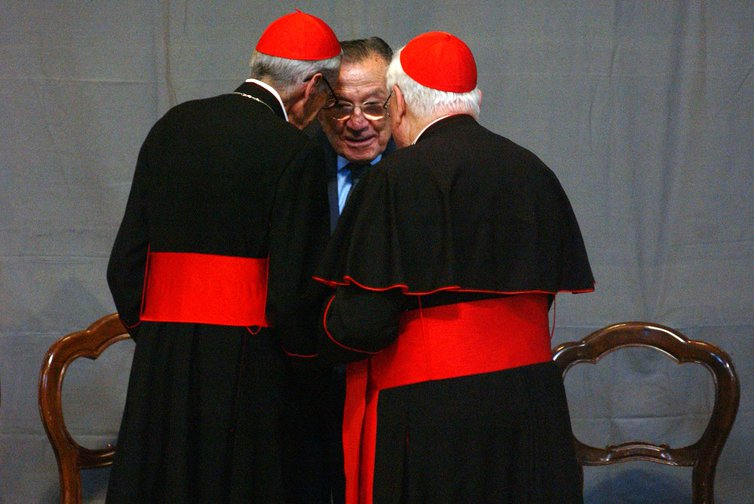 Giulio Andreotti talks with two cardinals, June, 2005.