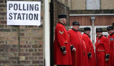 Chelsea pensioners at a polling booth. Daniel Leal-Olivas/PA Wire/Press Association Images. All rights reserved.