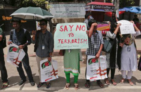 Bangladeshi students and teachers protest against terrorism in 2016. (AP/Press Association)