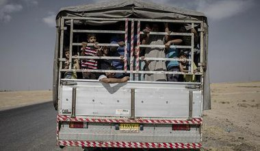 ID Iraqis on their way back to their hometown. 4 October 2016. Cengiz Yar/Press Association Images. All rights reserved.
