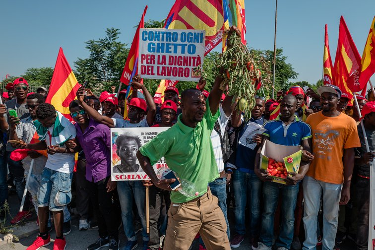 Foggia. African migrants march to protest against working conditions in Italy, August, 2018.