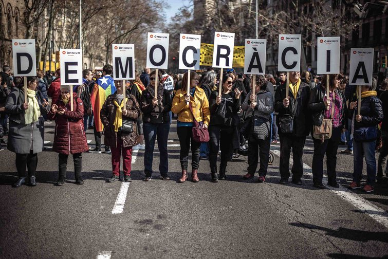 Catalan separatists protest against Supreme Court trial, February 2019.