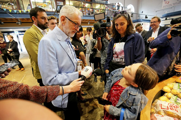 Jeremy Corbyn meets people in Scarborough market