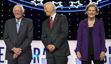 BERNIE SANDERS, JOE BIDEN and ELIZABETH WARREN pose for photographers prior to the Democratic Presidential Debate 15 October 2019