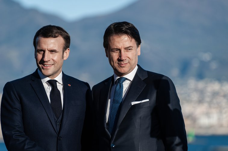 Italian PM Giuseppe Conte and French President Macron pose at a Franco - Italian summit, February 27, 2020.