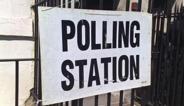 Polling_station_6_may_2010.jpeg