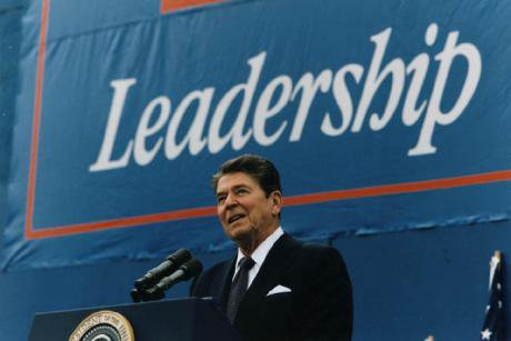 President_Reagan_giving_Campaign_speech_in_Austin,_Texas_1984.jpg