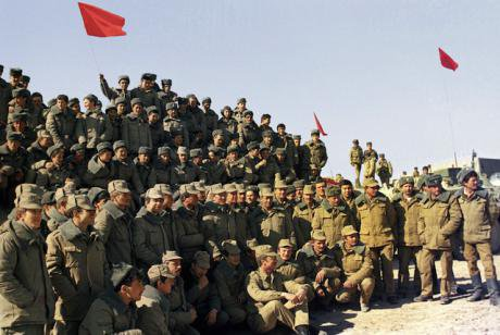 A company of Soviet soldiers poses for the cameras shortly before leaving Afghanistan.