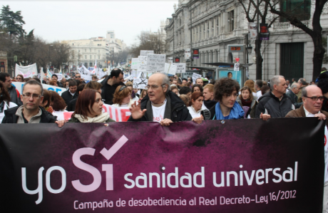 The platform Yo Sí Sanidad Universal marches in Madrid.