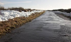 Rapid_snow_melt_-_geograph.org_.uk_-_336203 - Wiki colin grice Geography project.jpg
