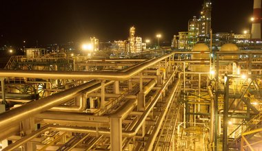 Rosneft oil refinery.jpg