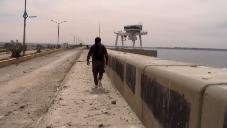 SDF_fighters_near_Tabqa_Dam.png