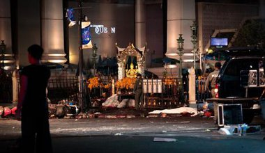 Site of the Erawan Shrine bombing, Bangkok. Lillian Suwanrumpha/Demotix. All rights reserved.