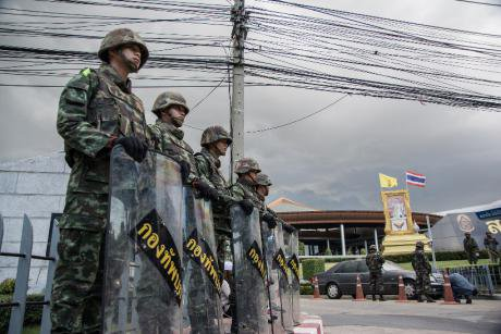 Soldiers on the streets during the May 2014 coup. punloph/Flickr. Some rights reserved.