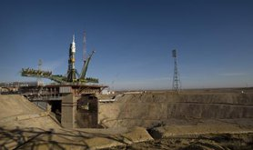 Soyuz_expedition_19_launch_pad.jpg
