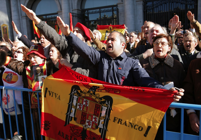 Supporters of Spain's late dictator Francisco Franco in Madrid. | REUTERS/Andrea Comas.