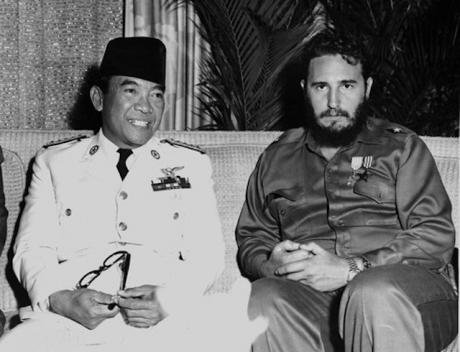 Sukarno_and_Fidel,_1960.jpeg