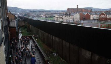 The-Peace-Wall-in-Belfast-001.jpg