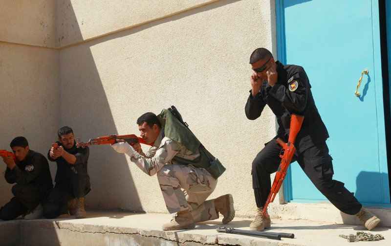 Iraq SWAT team training