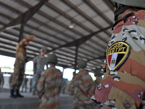 US_Army_52216_U.S.,_foreign_paratroopers_get_ready_for_a_big_jump_at_Fort_Bragg_3.jpg