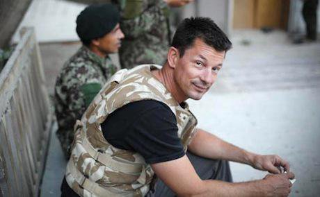 War photographer John Cantlie in the Pech valley, Afghanistan June 2012 Photo by a friend:Wikimedia Commons. Some Rights Reserved.jpg