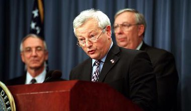 William_Bach,_Baron_Bach_Pentagon_011026-D-9880W-096.jpg