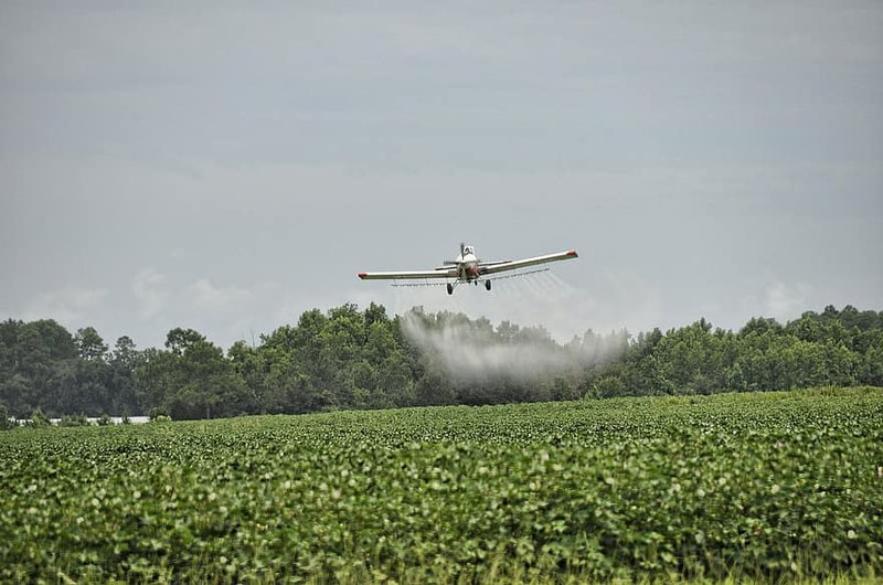 airplane-crop-duster-dangerous-agriculture-aircraft-farm-aviation-plane-spray.jpg