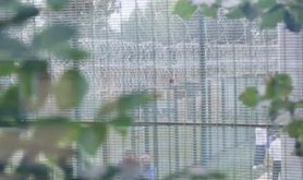campsfield-razor-wire-stand-off-films_0.jpg