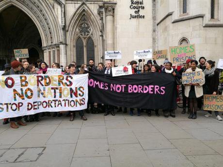 homes not borders/