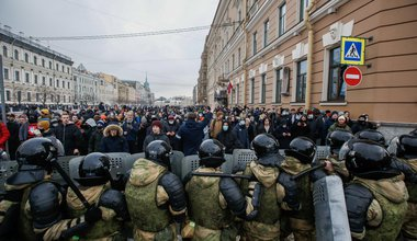 The national guard blocks a street in St Petersburg during a protest against Navalny's detention on 31 January