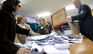 Vote counting in Moldova