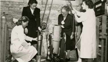Women chemists Kathleen Zier, Anna Jane Harrison, Mary Lura Sherrill, Marie Mercury Roth, 1947. (Chemical Heritage Foundation)