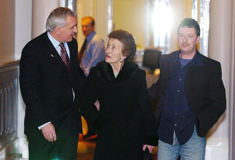 Sarah Conlon, wife of Guiseppe Conlon who was wrongly imprisoned for the Guildford pub bombings, with Irish Taoiseach, Bertie Ahern and by her son-in-law, Joe McKernan.