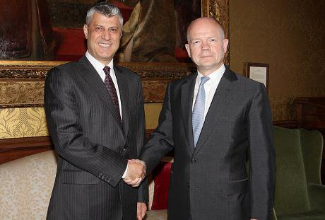 Hashim Thaci and William Hague meet in London
