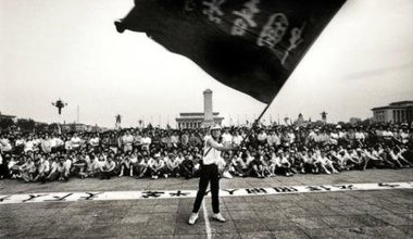 The flag waver in Tiananmen Square in May 1989, before the June 4 crackdown. Flickr/Robert Croma. Some rights reserved.