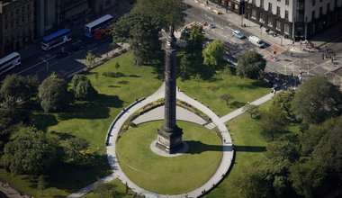 aerial photograph of Melville Monument, St Andrew Square Edinburgh Scotland UK