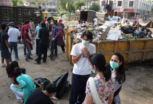 Zimmedar Shehri's street cleaning and waste collection initiative in Lahore